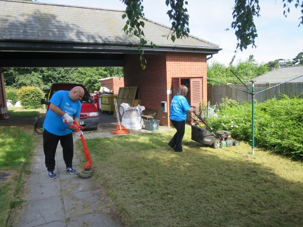 Skanska volunteers hard at work