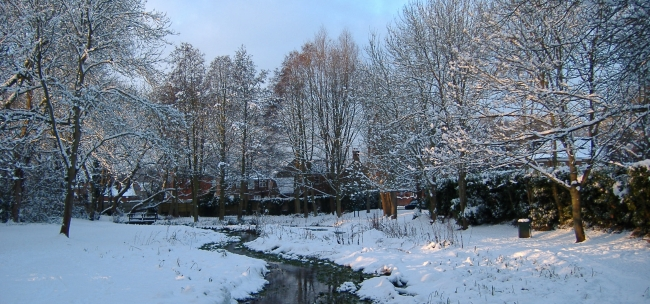 River Chess in Chesham in the snow