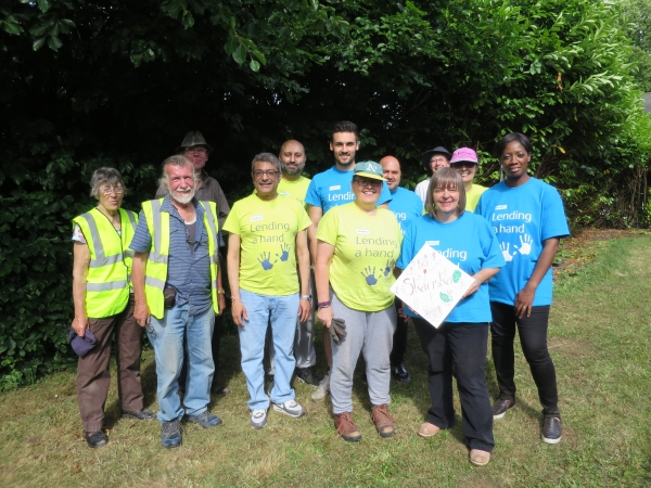 Skanska and Chesham in Bloom volunteers